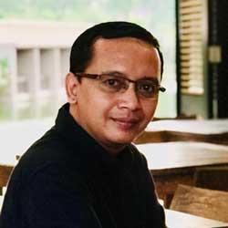 Dr. M Junaidi Hidayat, ST., M.Ds